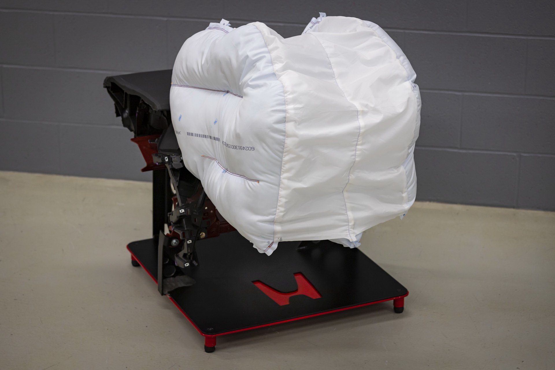 Honda_Innovative_Airbag_0000