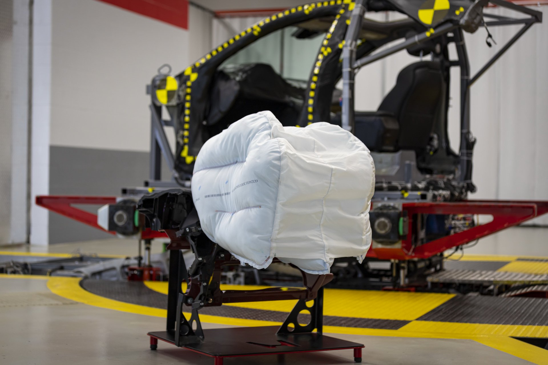 Honda_Innovative_Airbag_0001