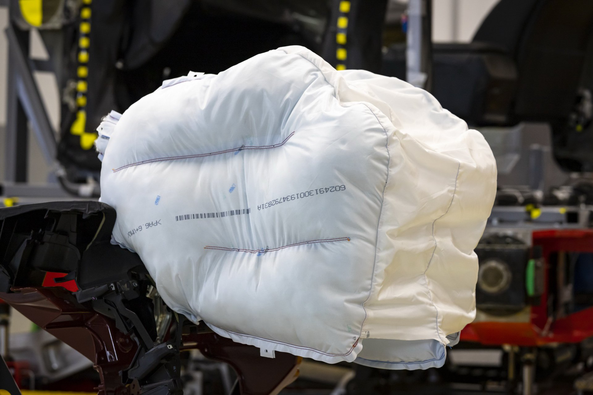 Honda_Innovative_Airbag_0003