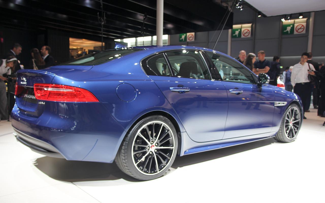 Παρίσι 2014: Jaguar XE - Autoblog.gr