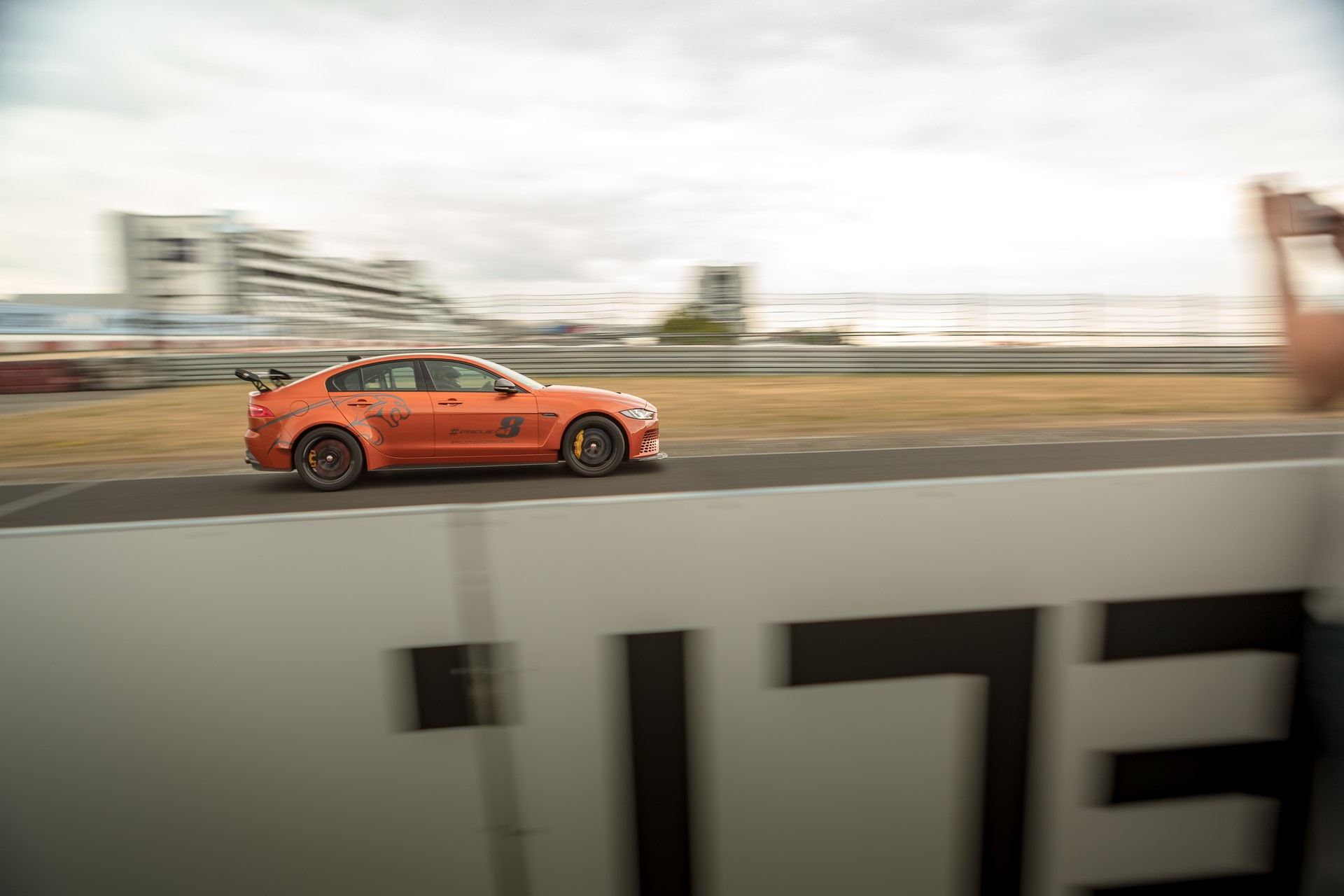 Jaguar-XE-SV-Project-8-new-Nurburgring-record-2