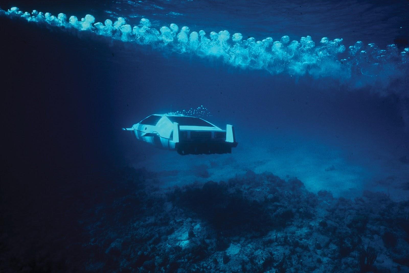 1977-lotus-esprit-submarine-james-bond-10