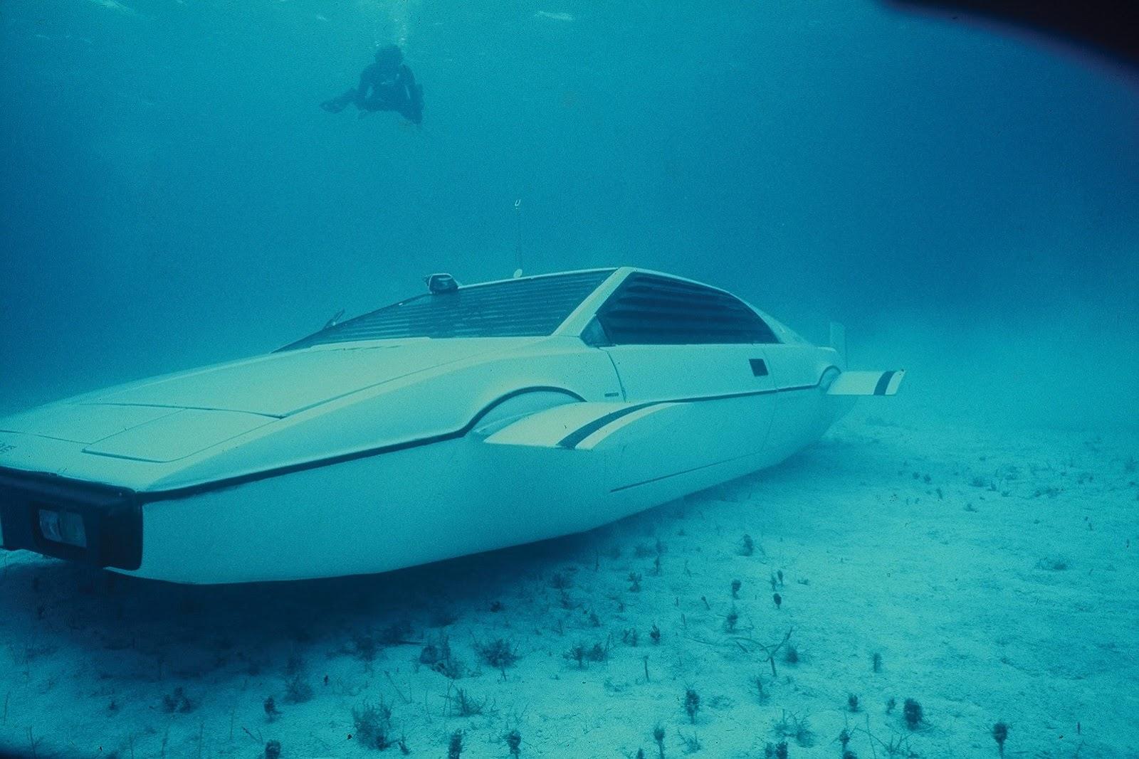 1977-lotus-esprit-submarine-james-bond-11