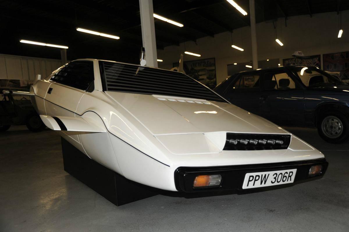 1977-lotus-esprit-submarine-james-bond-2