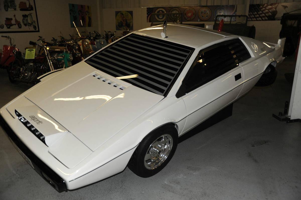 1977-lotus-esprit-submarine-james-bond-4