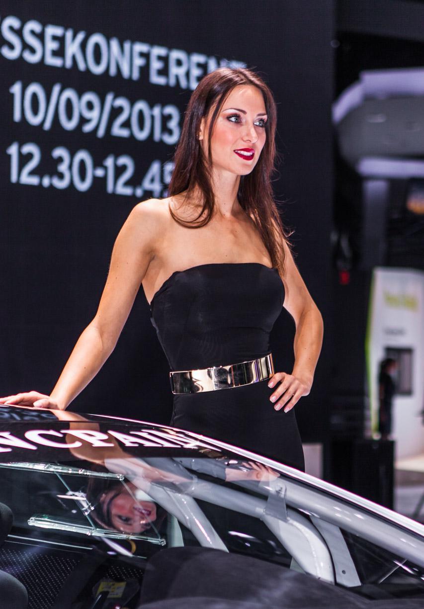 Έκθεση Φρανκφούρτης 2013: Τα κορίτσια της Lamborghini ...