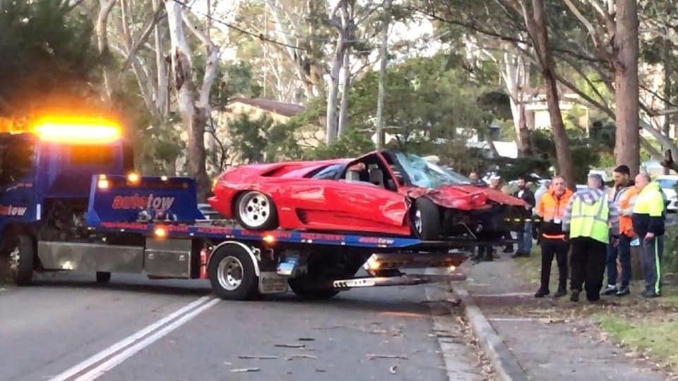 Lamborghini-Diablo-crash-1