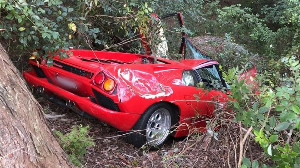 Lamborghini-Diablo-crash-4