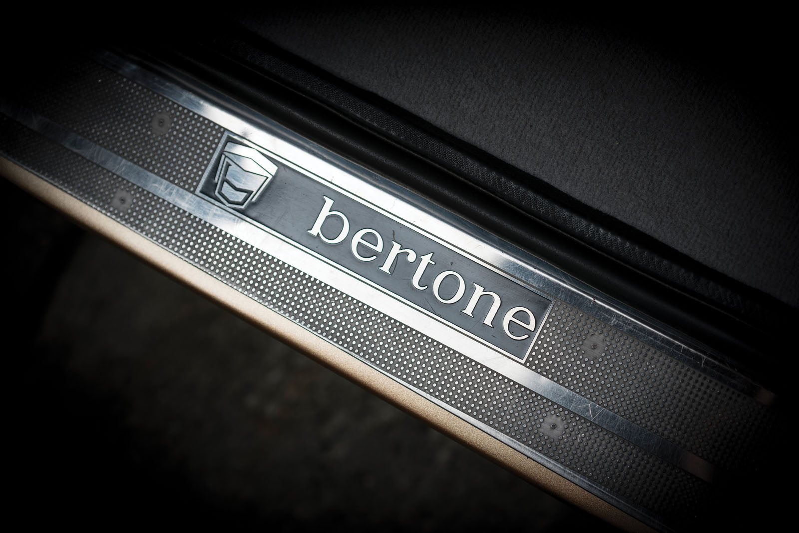 Lamborghini Miura SV in auction (12)