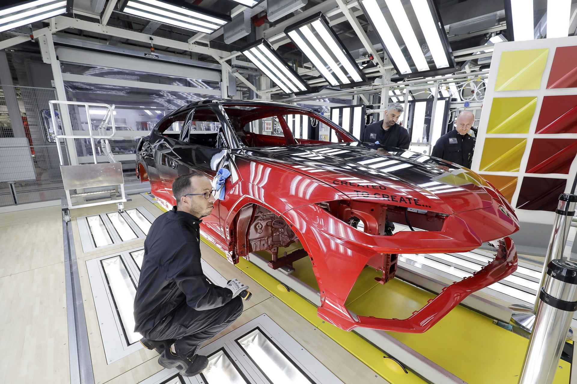 Lamborghini-new-Urus-Paint-shop-24