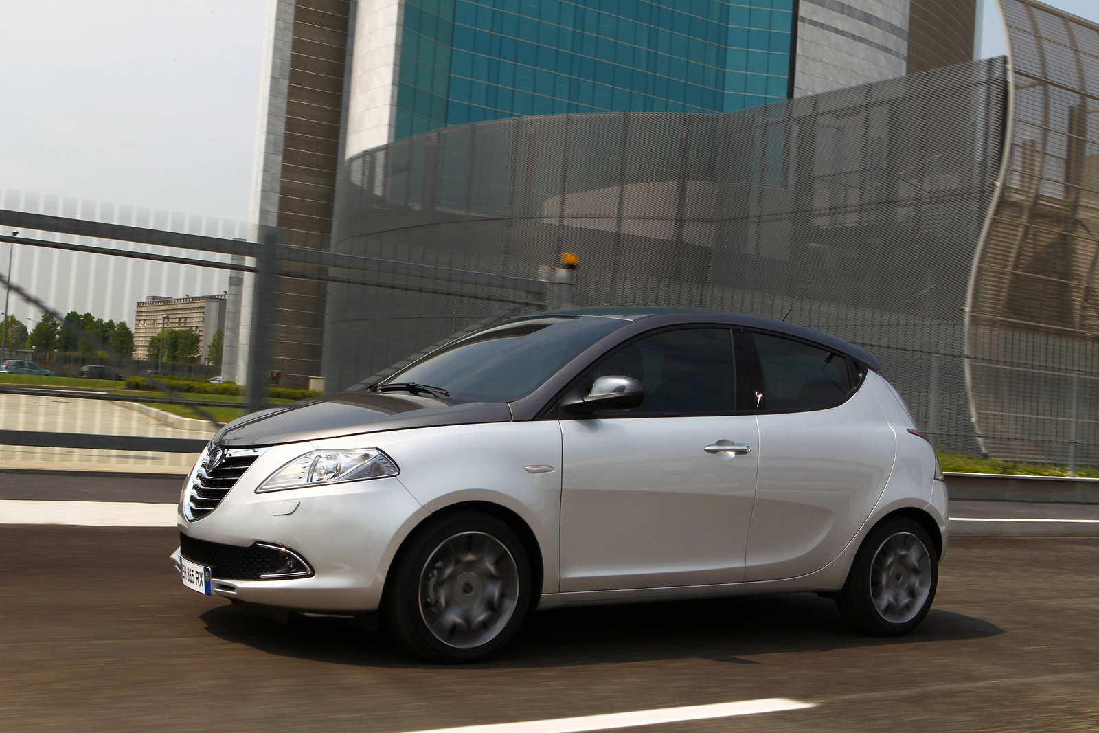 Photo gallery lancia ypsilon 2011 w videos - Lancia y diva 2011 ...
