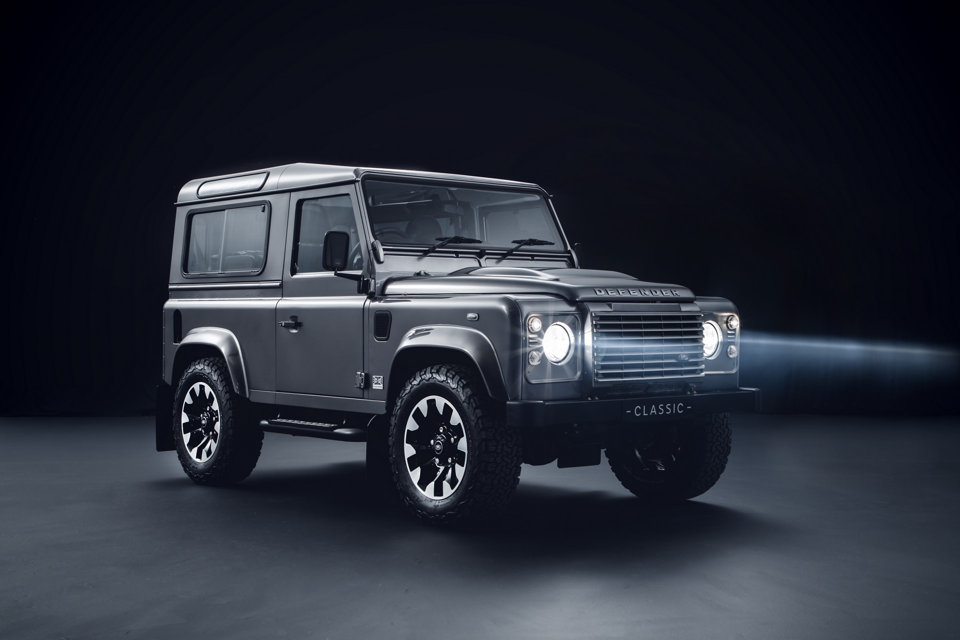 Land-Rover-Classic-upgrades-old-Defender-1