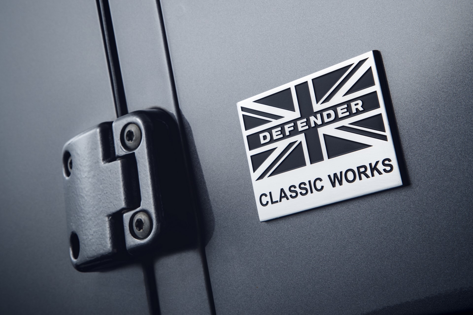 Land-Rover-Classic-upgrades-old-Defender-2