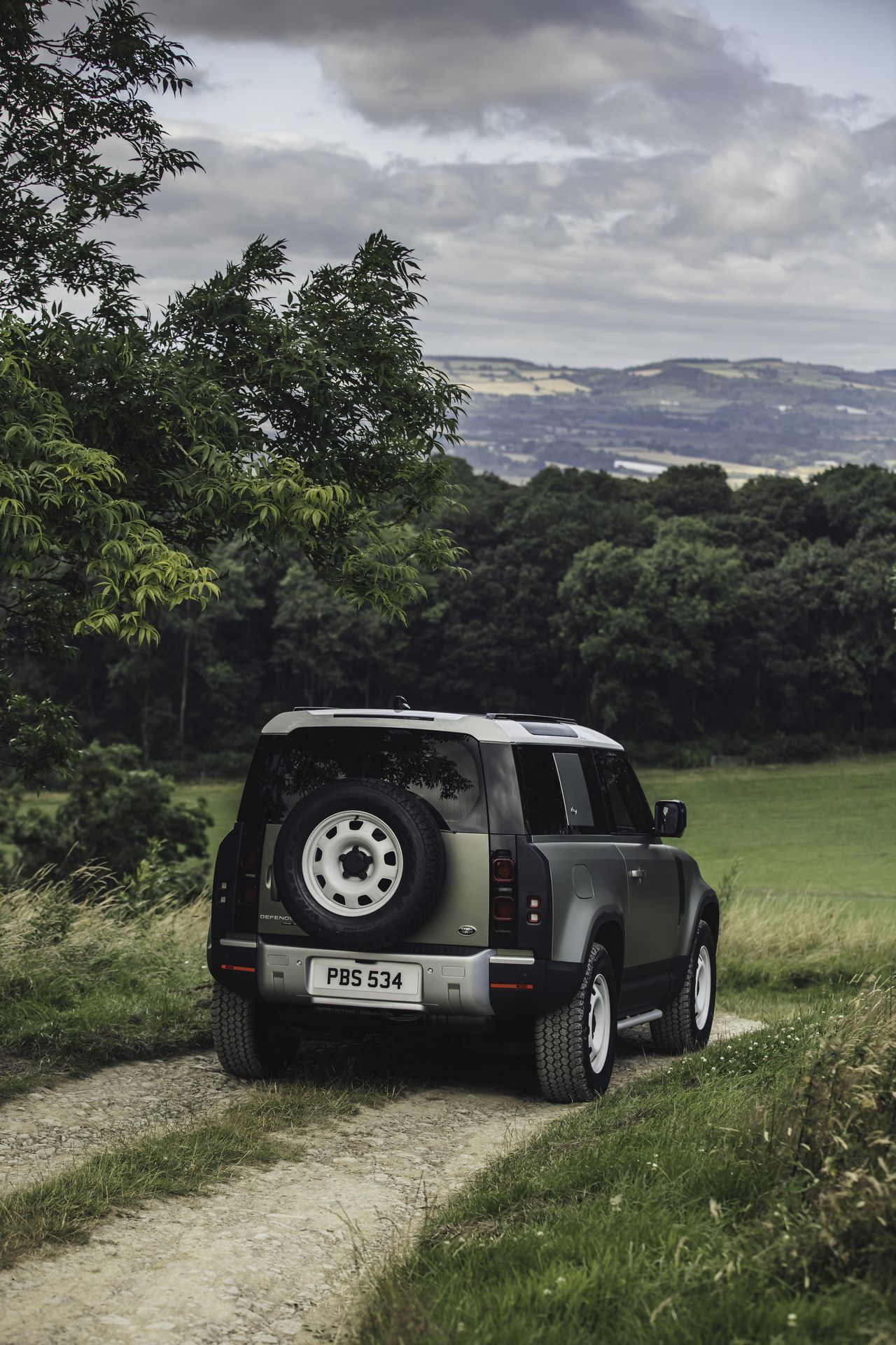 Land-Rover-Defender-2020-105