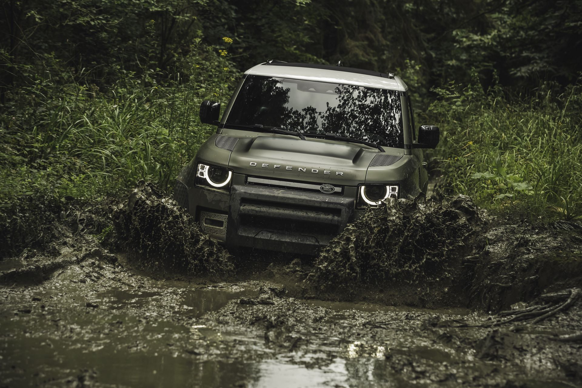 Land-Rover-Defender-2020-107