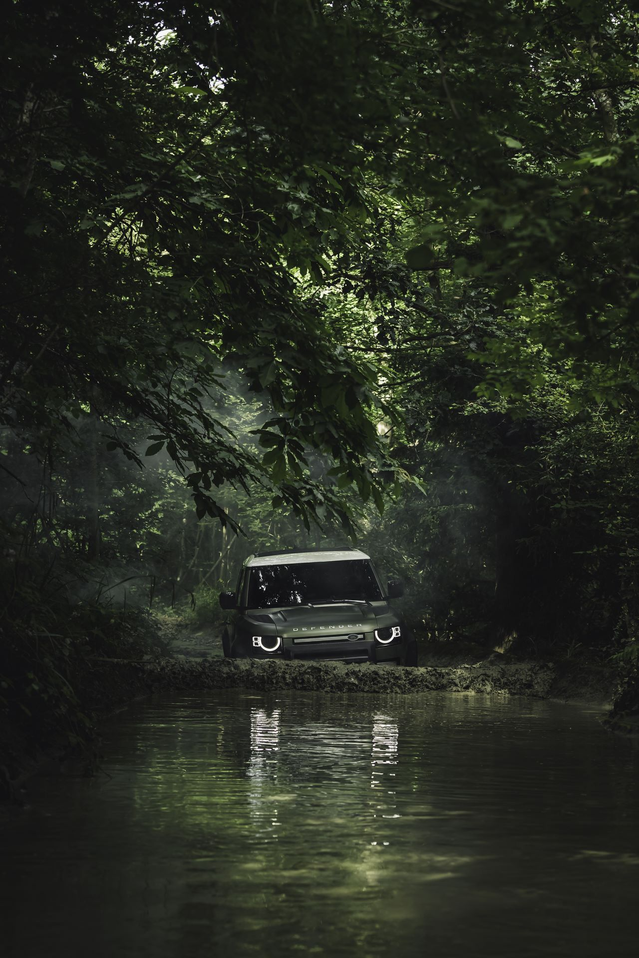 Land-Rover-Defender-2020-108
