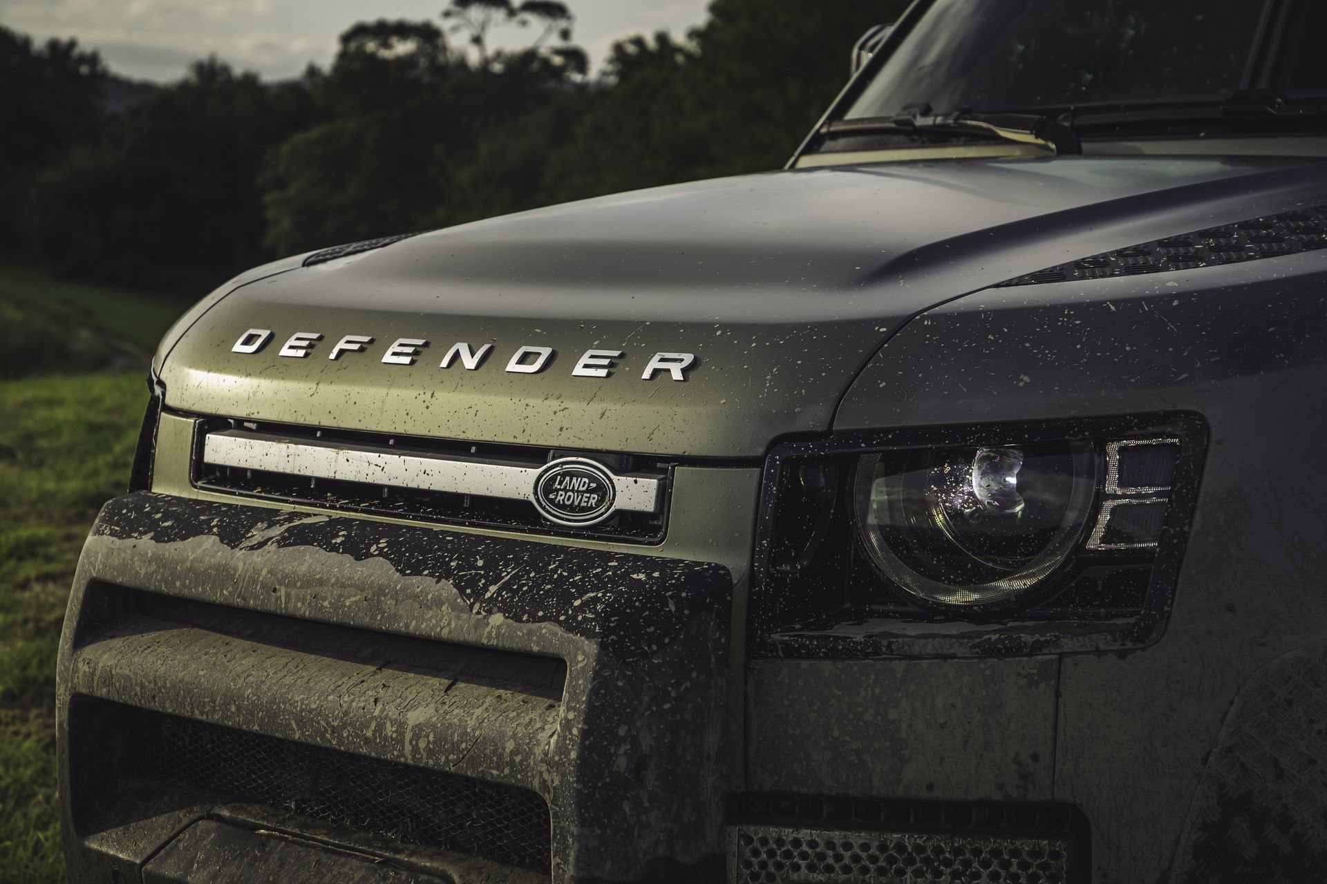 Land-Rover-Defender-2020-119