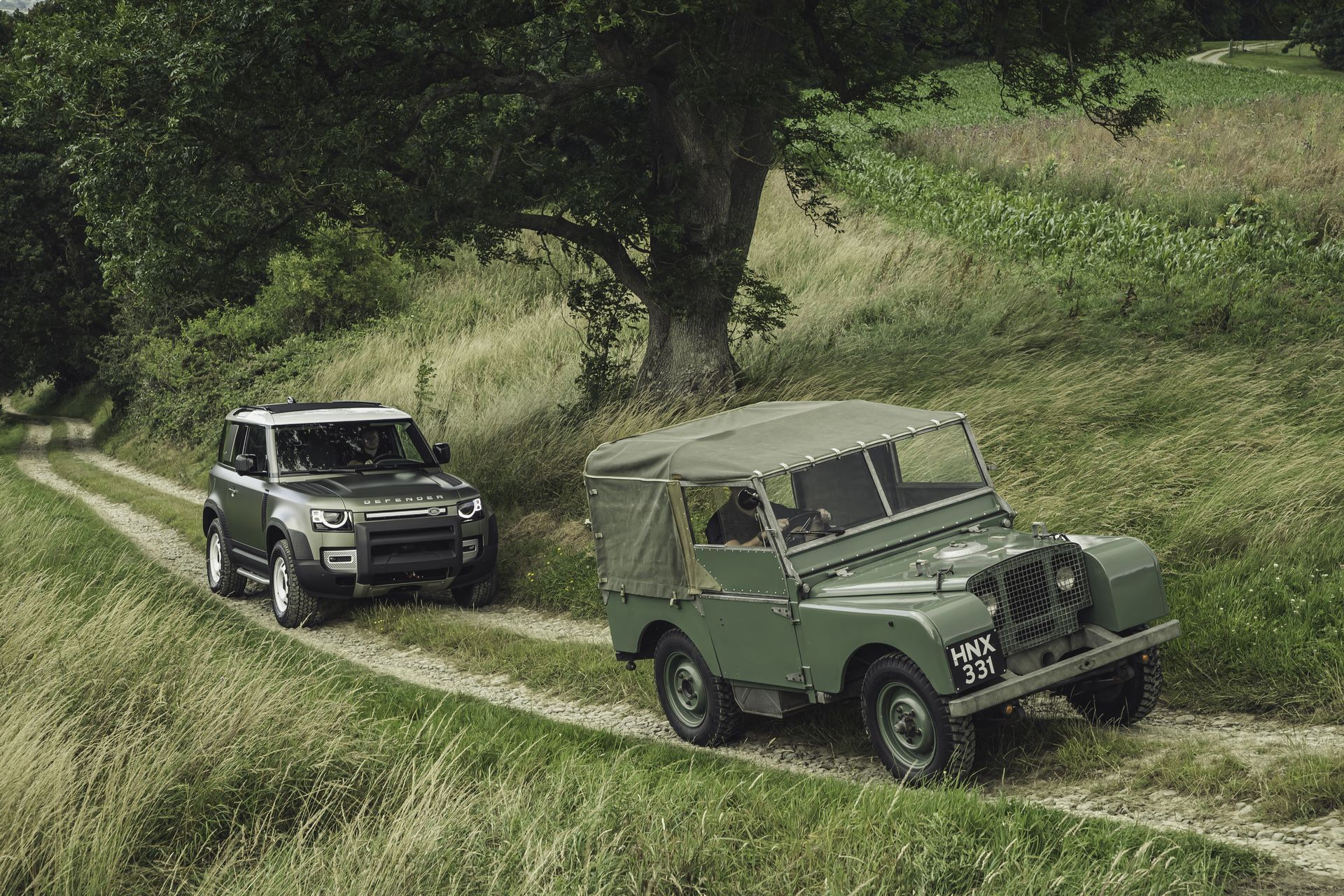 Land-Rover-Defender-2020-122