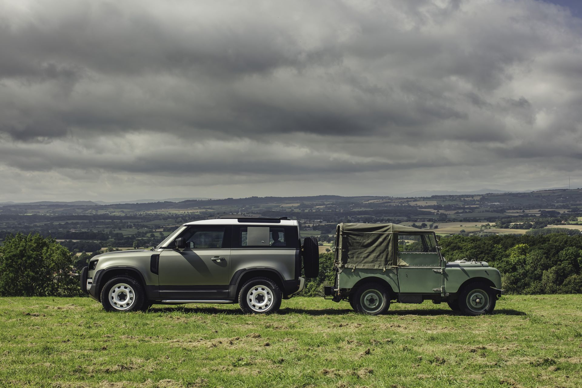 Land-Rover-Defender-2020-125
