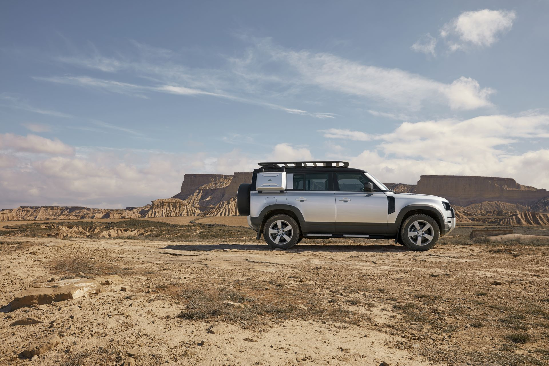Land-Rover-Defender-2020-145