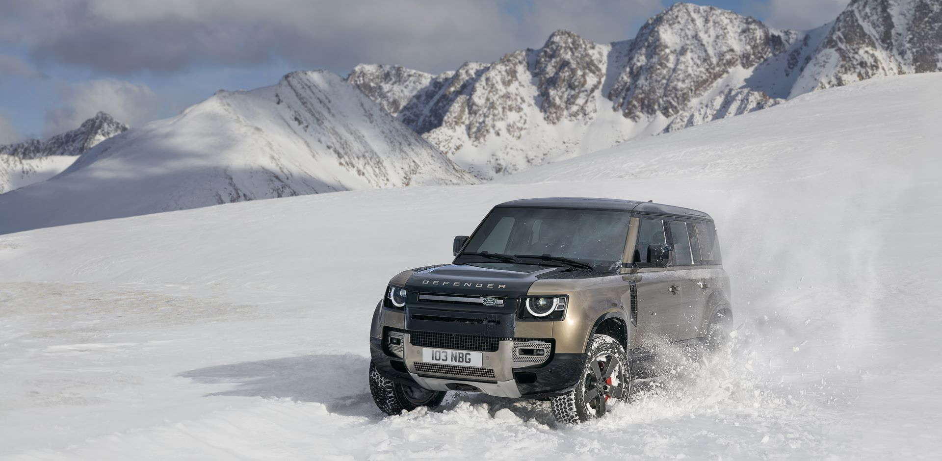 Land-Rover-Defender-2020-160