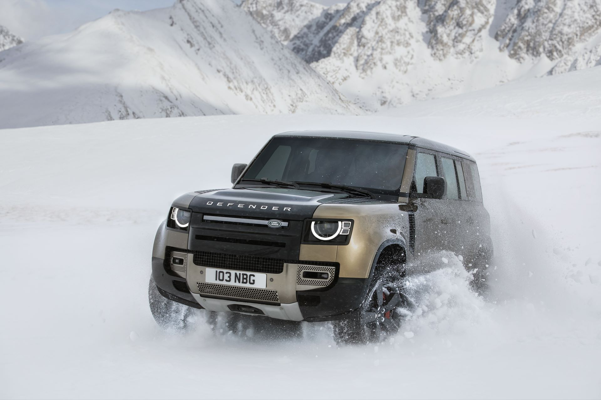 Land-Rover-Defender-2020-162