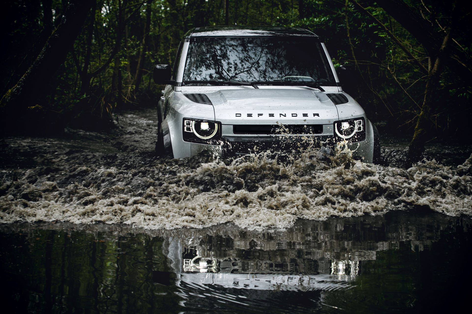 Land-Rover-Defender-2020-169