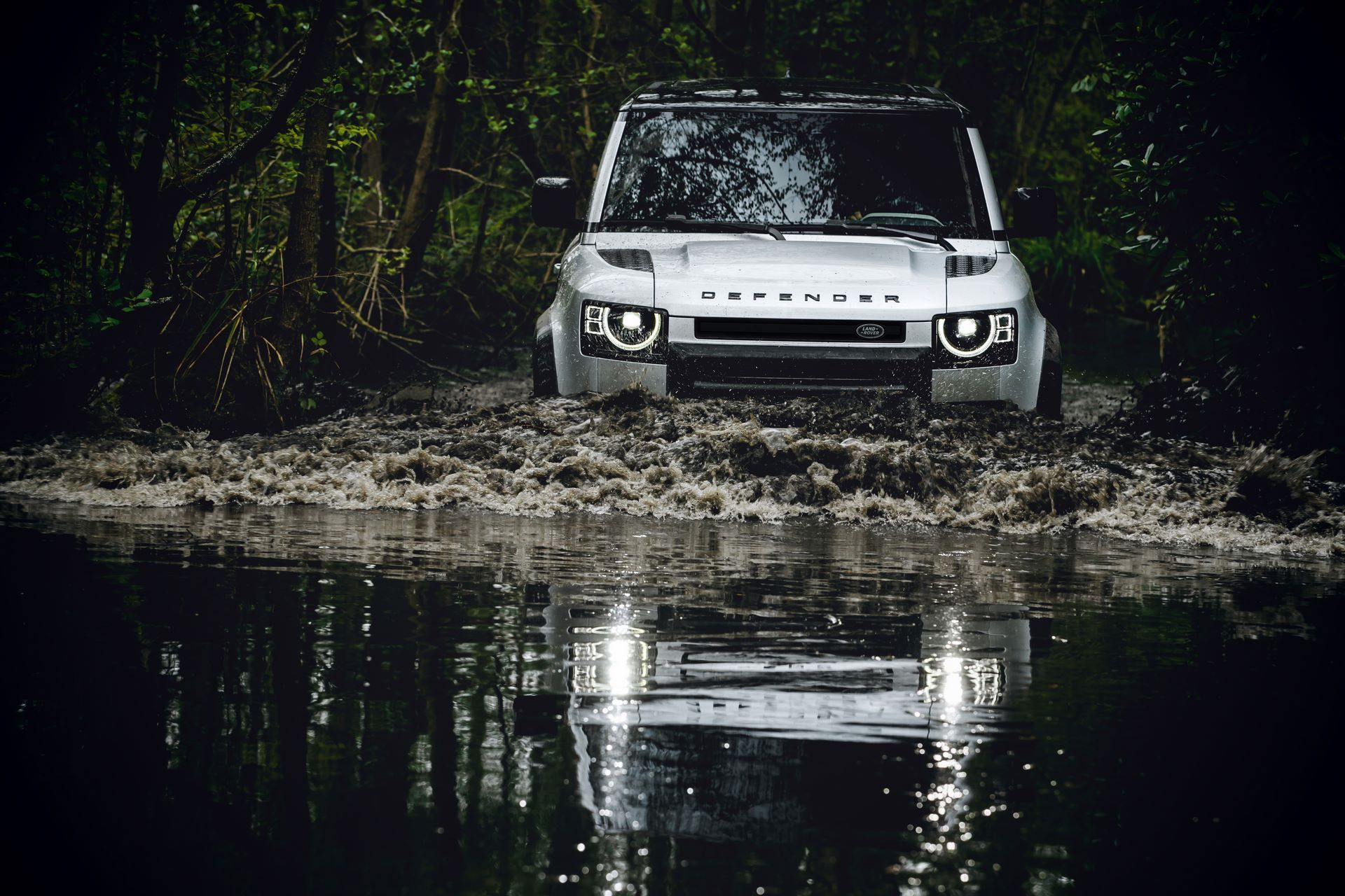 Land-Rover-Defender-2020-172