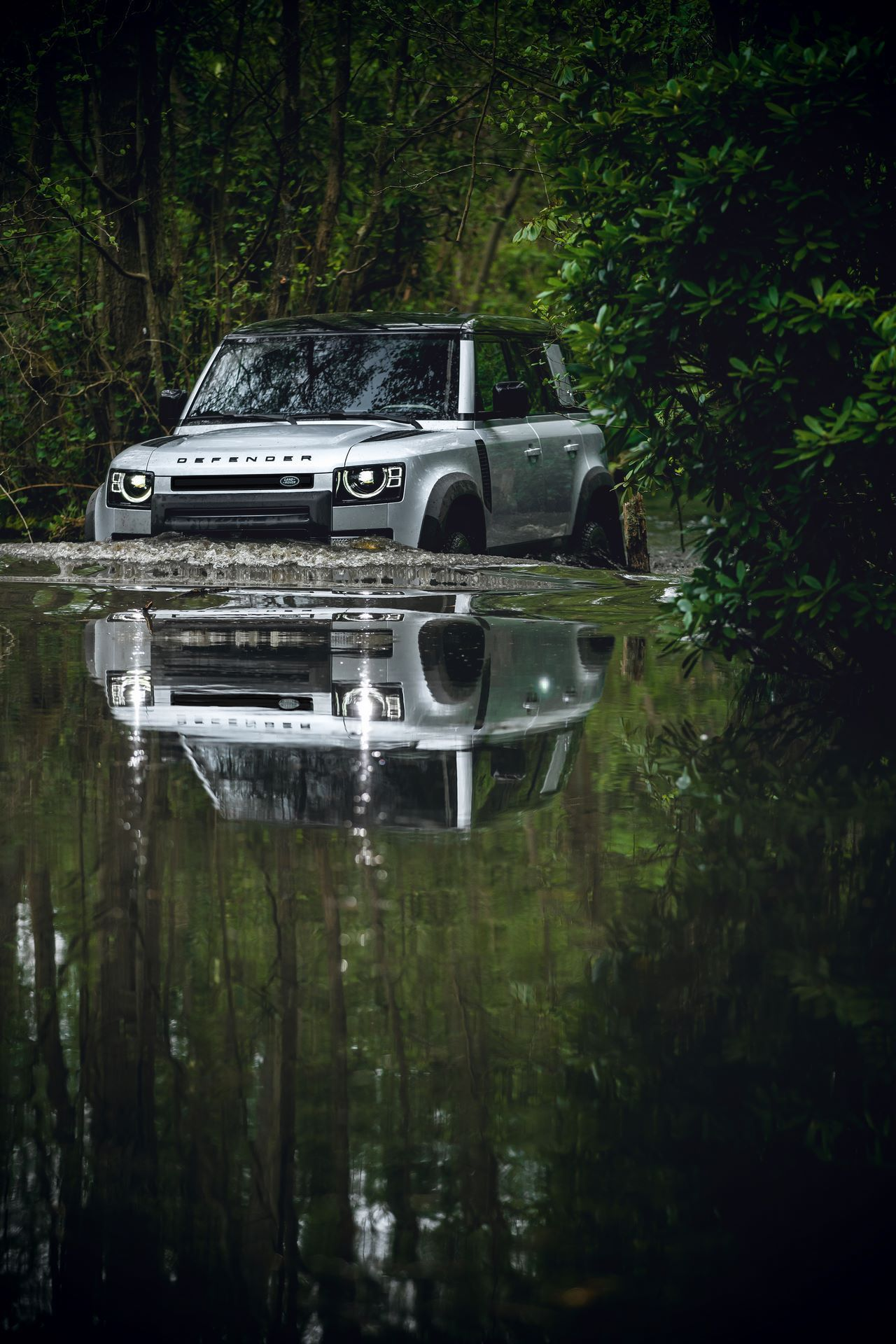 Land-Rover-Defender-2020-177