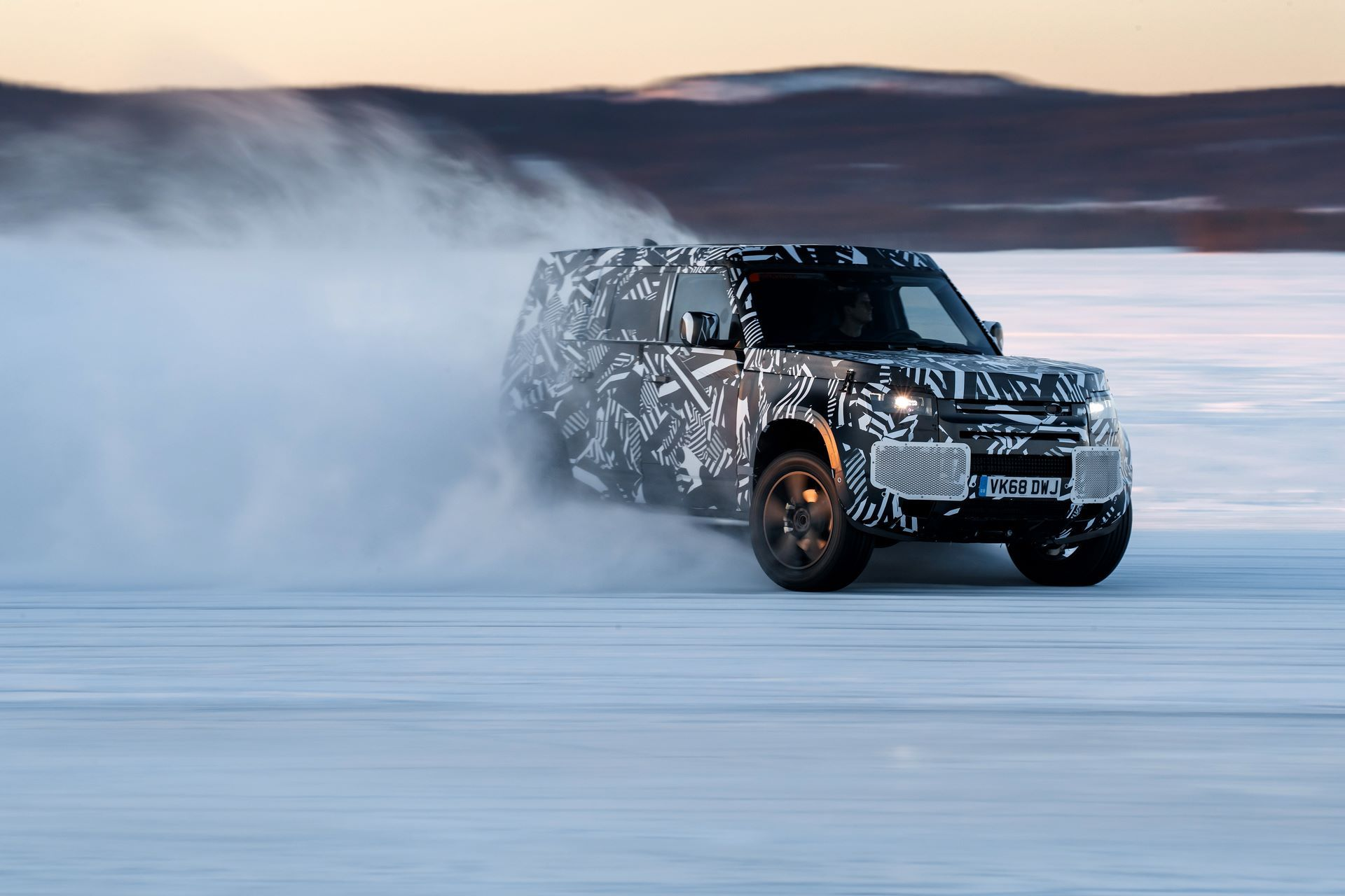 Land-Rover-Defender-2020-295