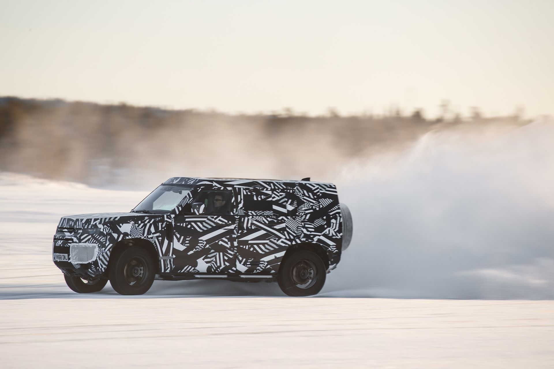 Land-Rover-Defender-2020-296