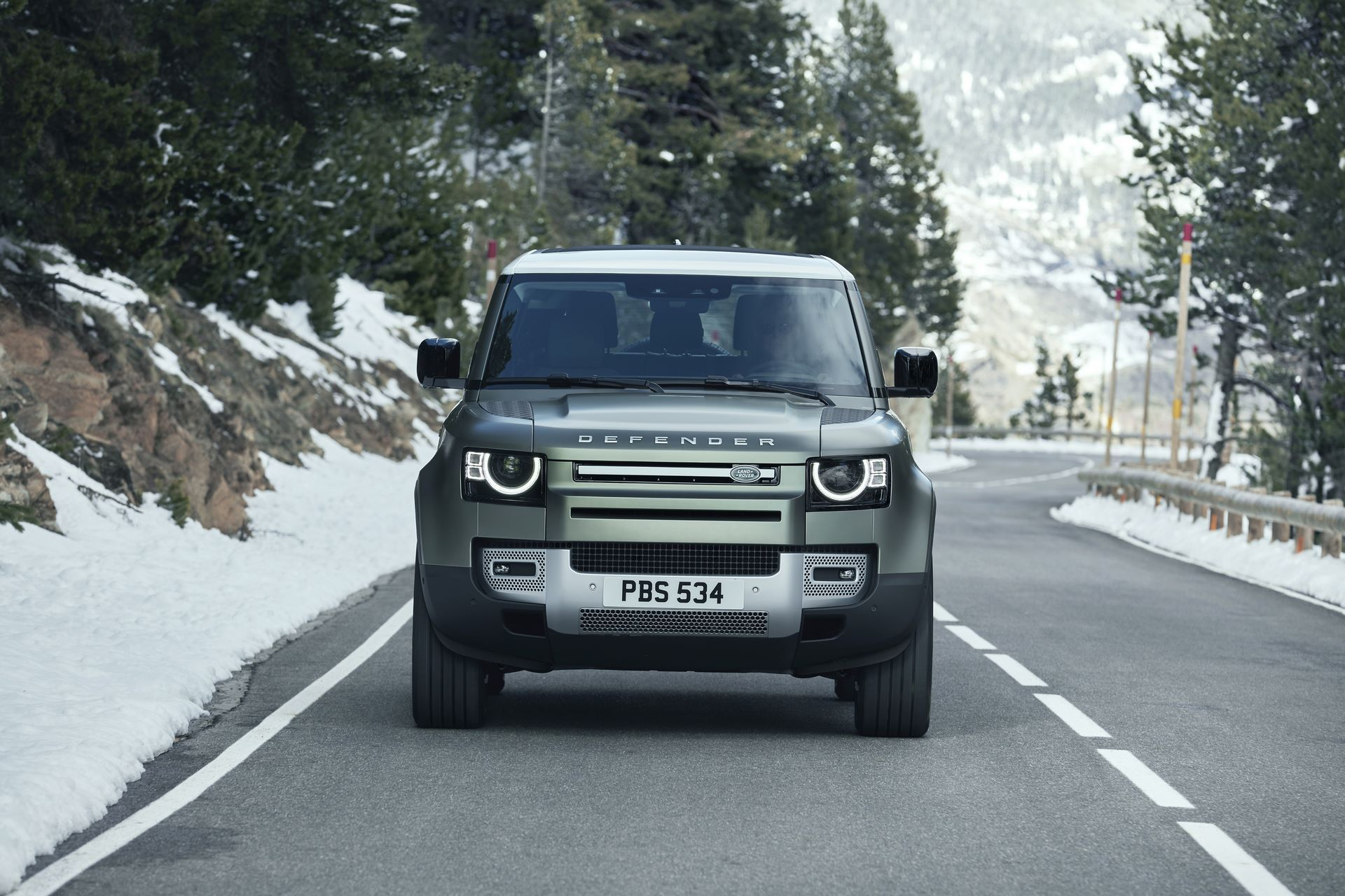 Land-Rover-Defender-2020-61