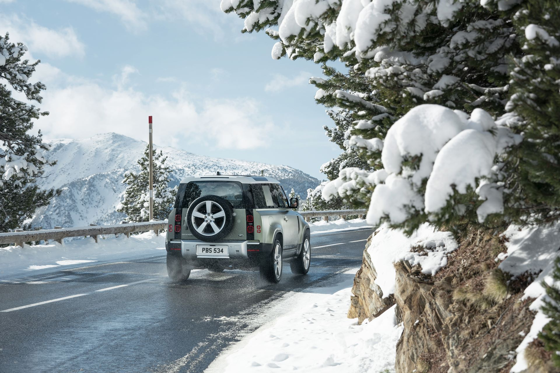 Land-Rover-Defender-2020-62