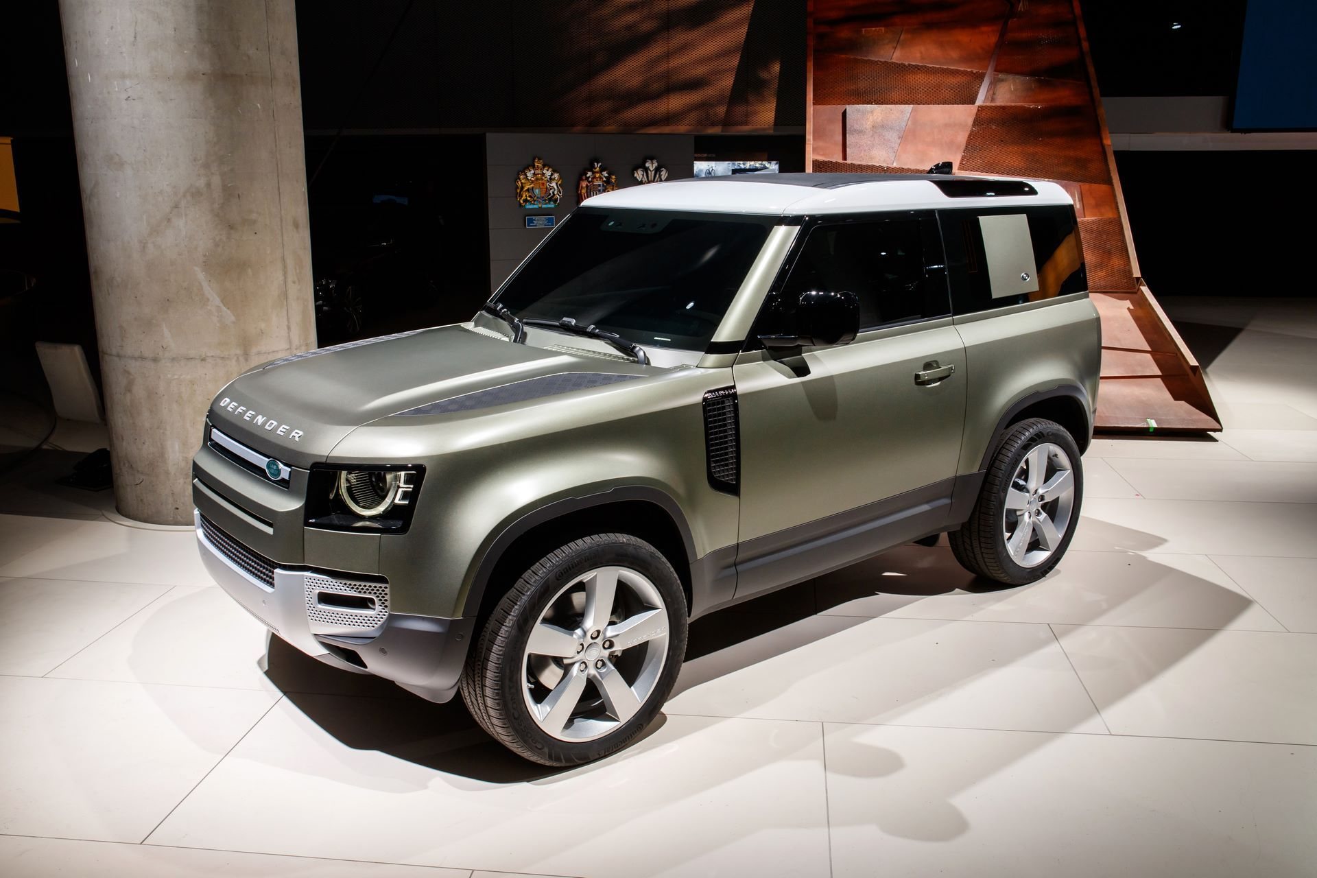Land-Rover-Defender-2020-8