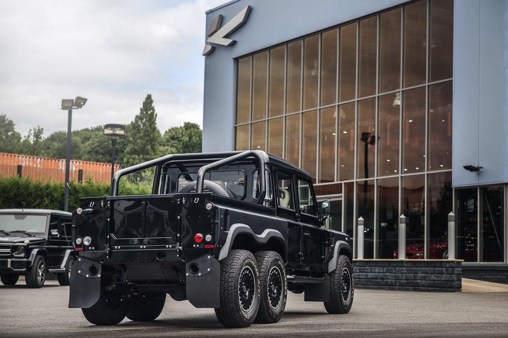 Land-Rover-Defender-Flying-Huntsman-6×6-6