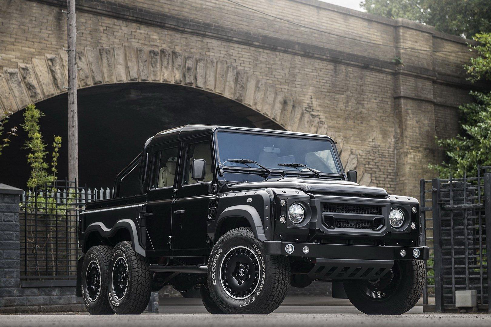 Land-Rover-Defender-Flying-Huntsman-6×6-7