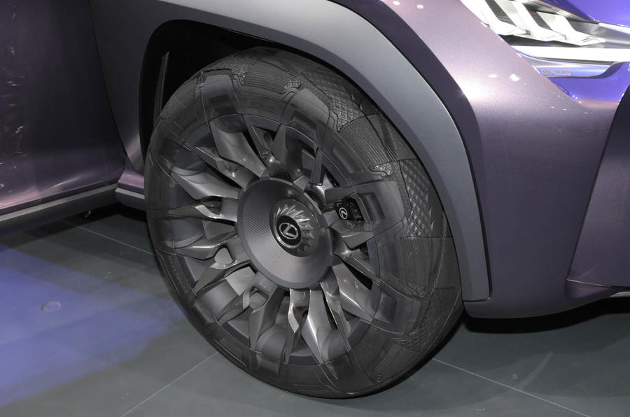 Lexus UX concept (3)