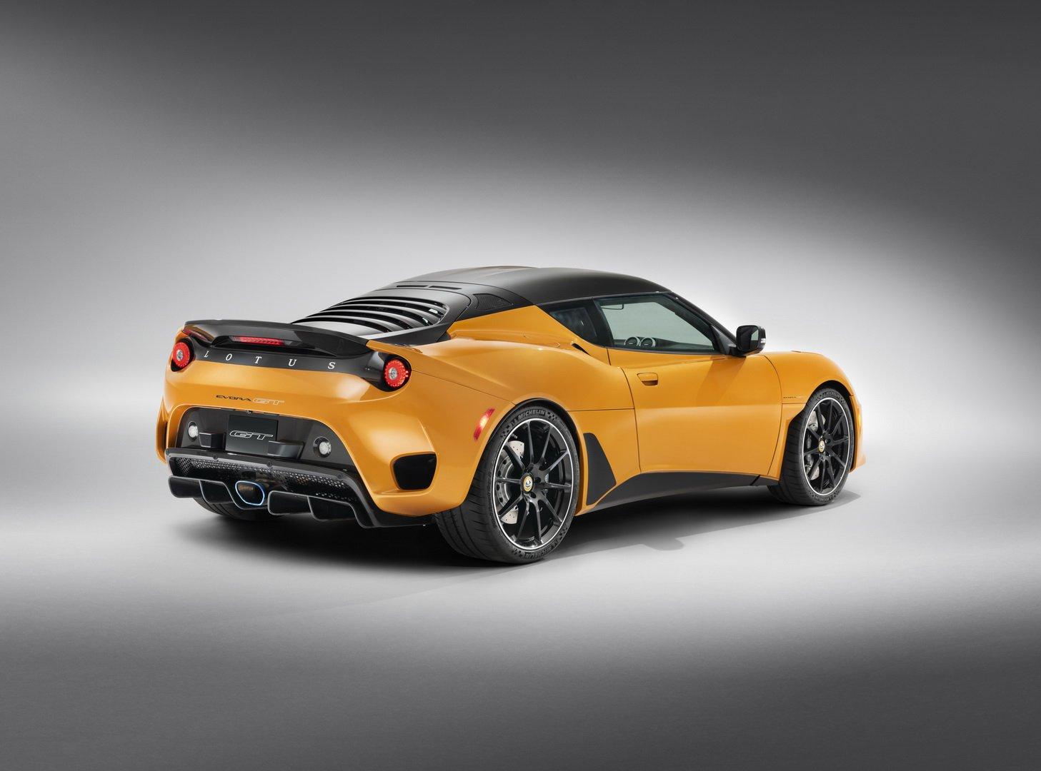 Lotus-Evora-GT-2020-2