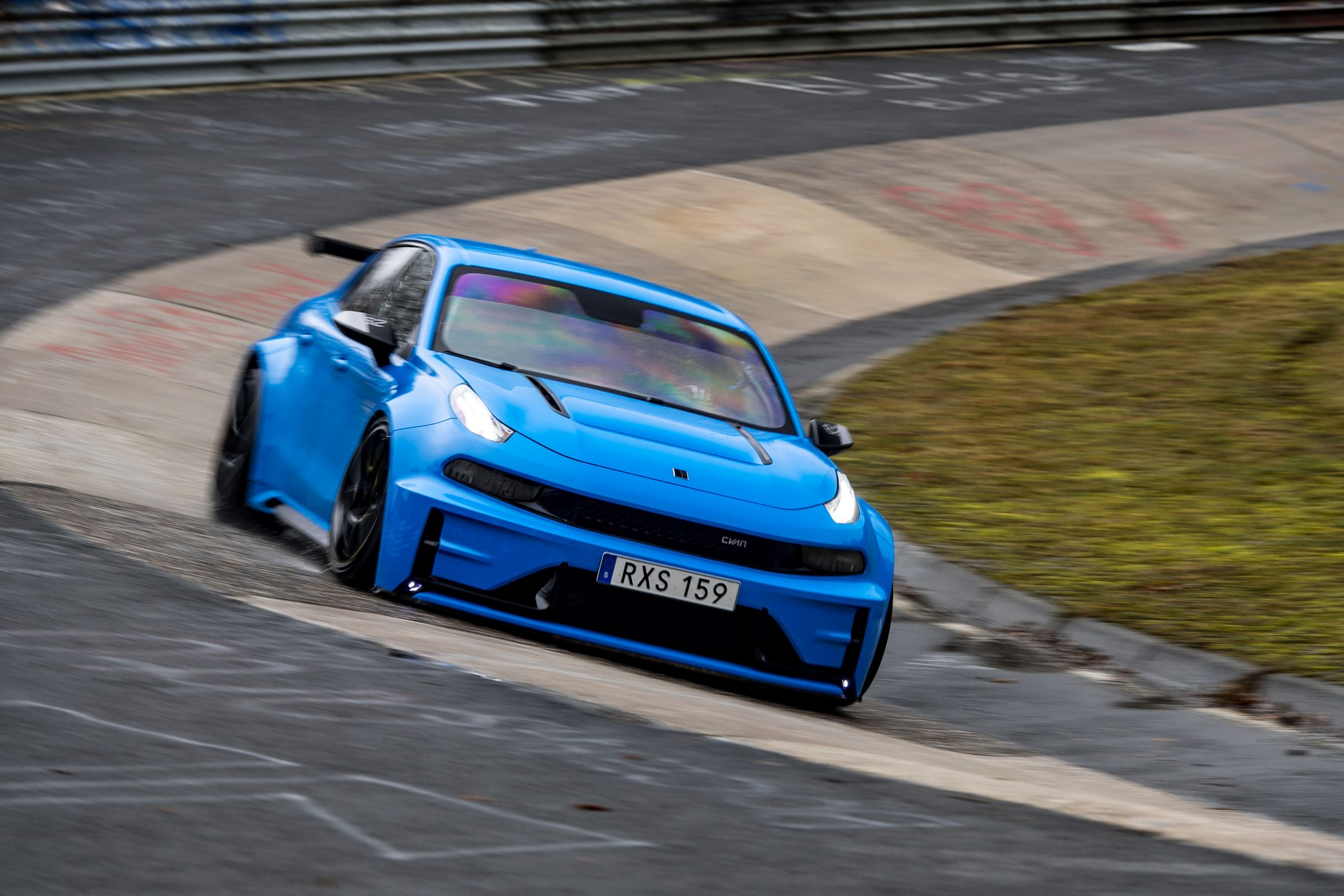 Lynk-Co-03-Cyan-Concept-Nurburgring-record-10
