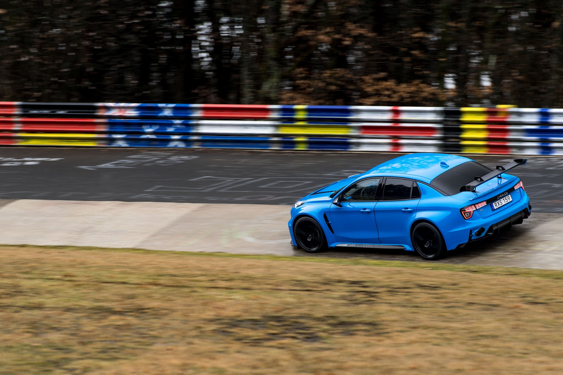 Lynk-Co-03-Cyan-Concept-Nurburgring-record-11