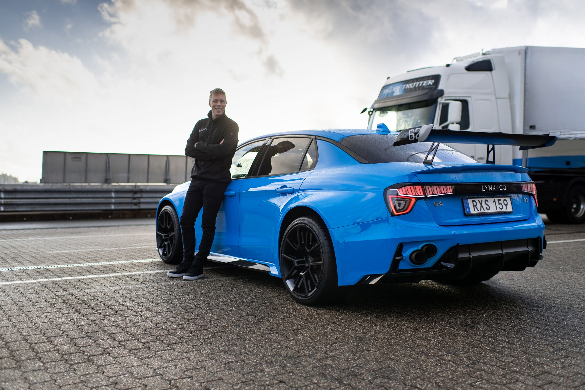 Lynk-Co-03-Cyan-Concept-Nurburgring-record-5