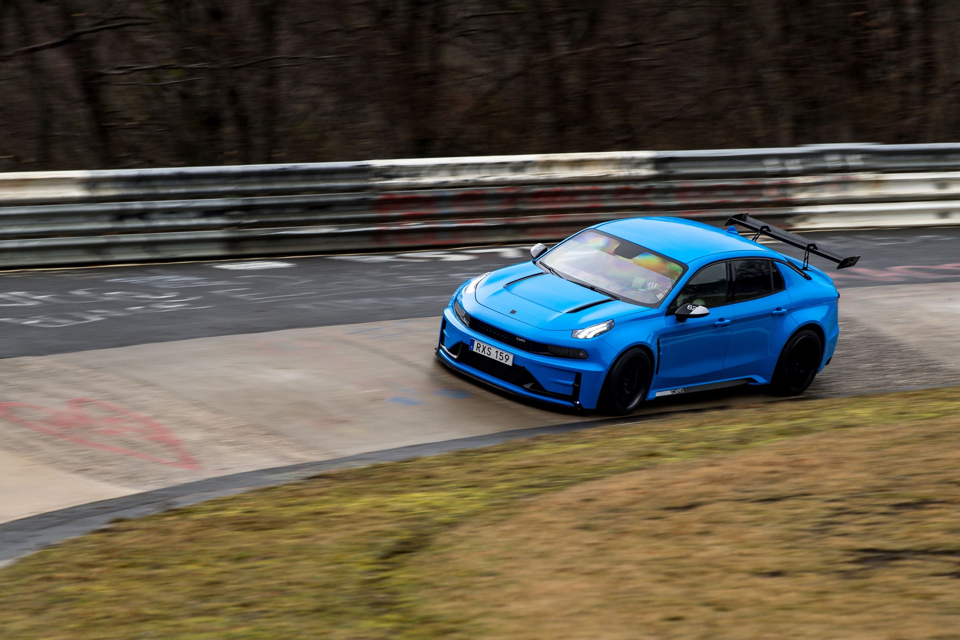 Lynk-Co-03-Cyan-Concept-Nurburgring-record-9