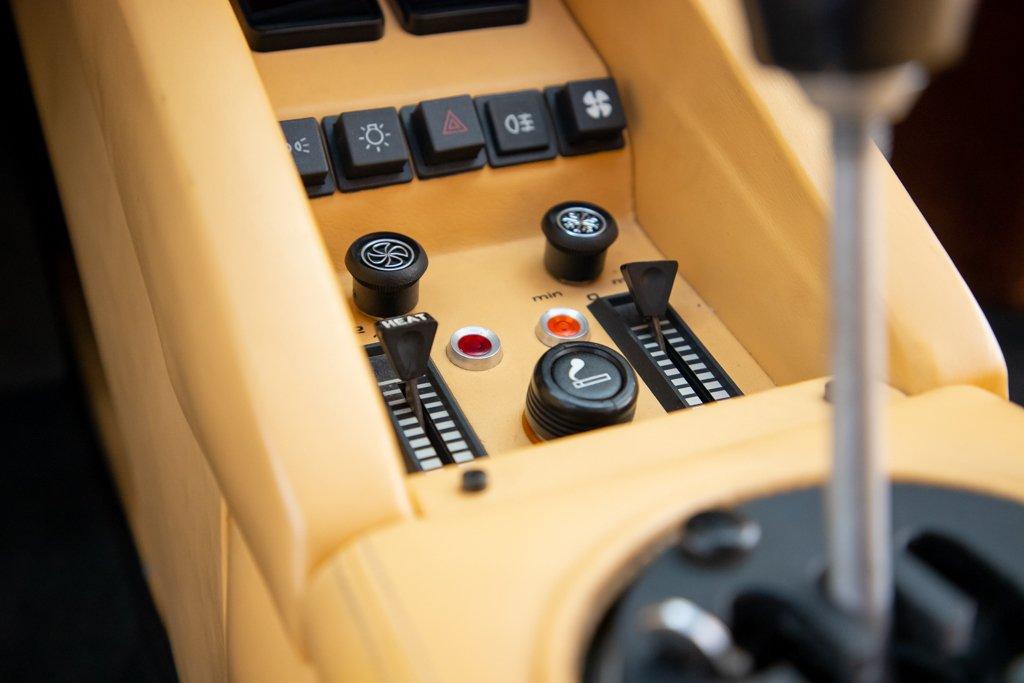 Lamborghini_Countach_Mario_Andretti_0044