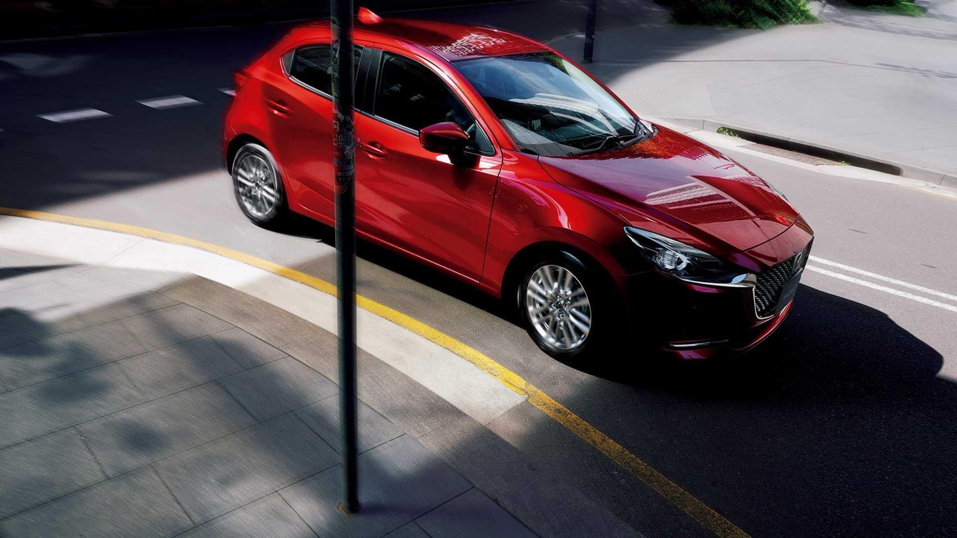 Mazda2_facelift_0001
