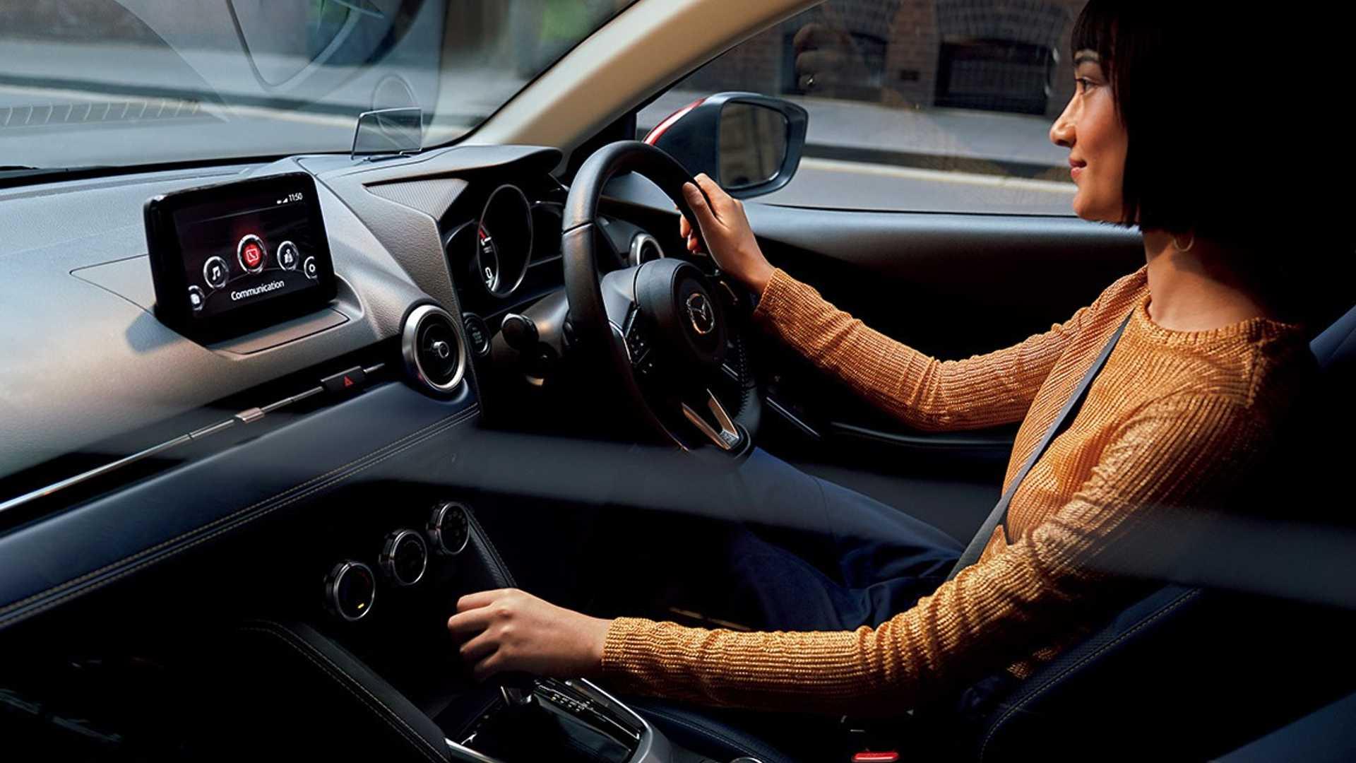 Mazda2_facelift_0021