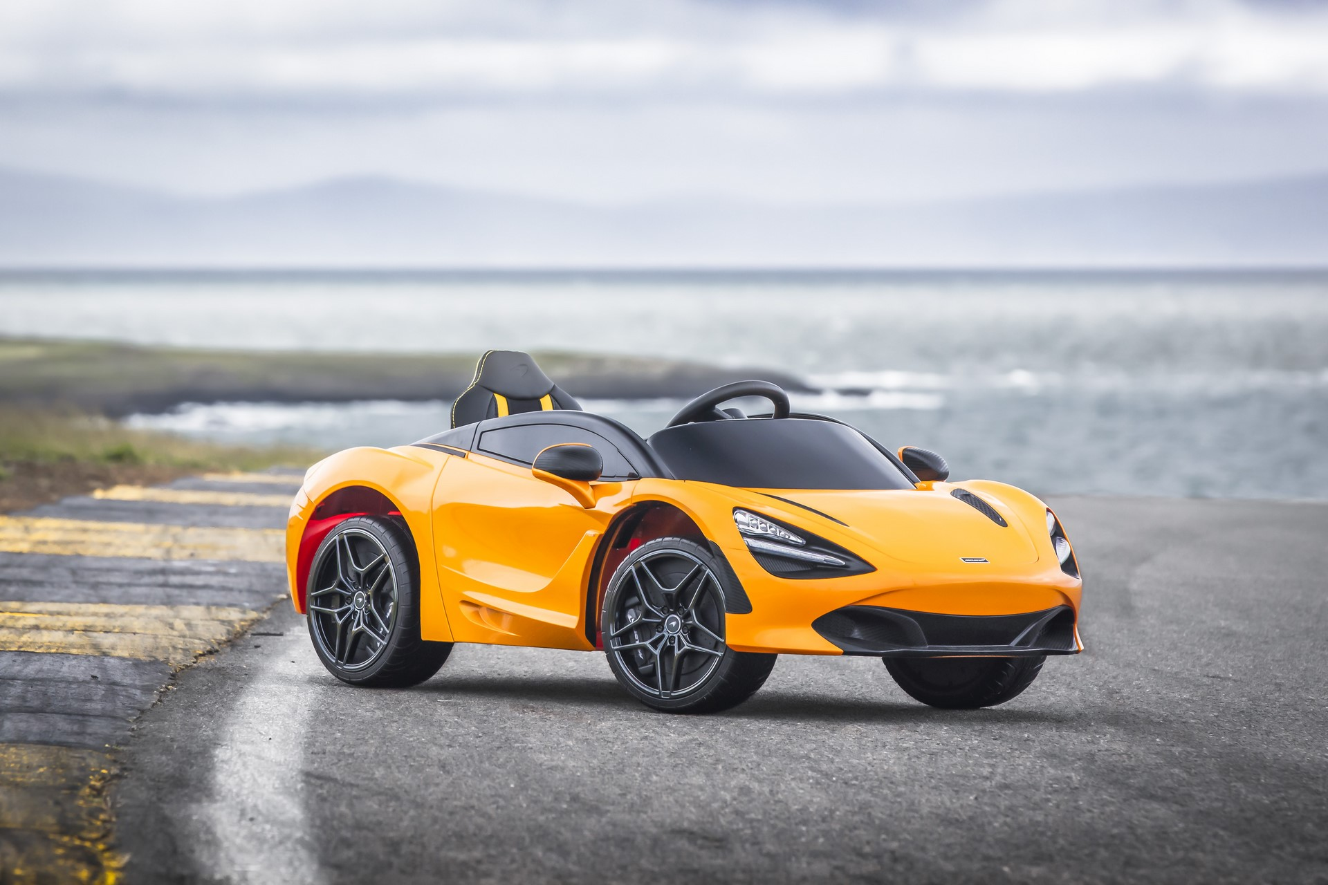 McLaren-720S-Ride-On-2-hero