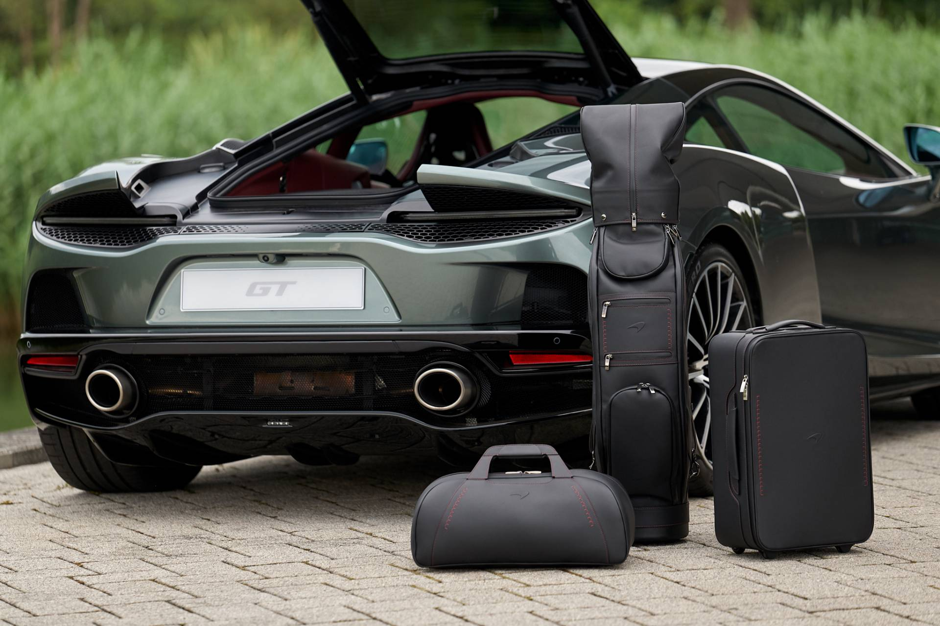 McLaren-GT-Luggage-Set-By-MSO-2