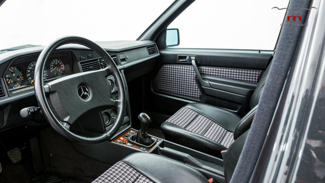 Mercedes_190E_2.5-16_Evo_II_0008