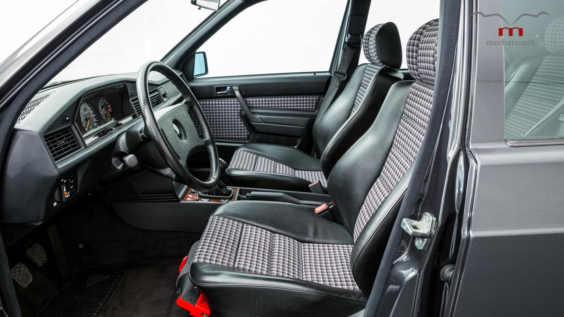 Mercedes_190E_2.5-16_Evo_II_0009