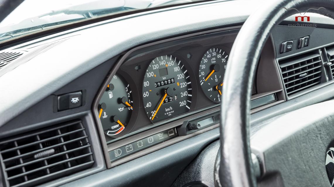 Mercedes_190E_2.5-16_Evo_II_0012